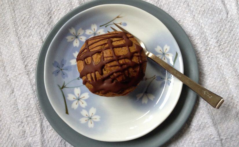 Nussige Muffins mit etwas Birne
